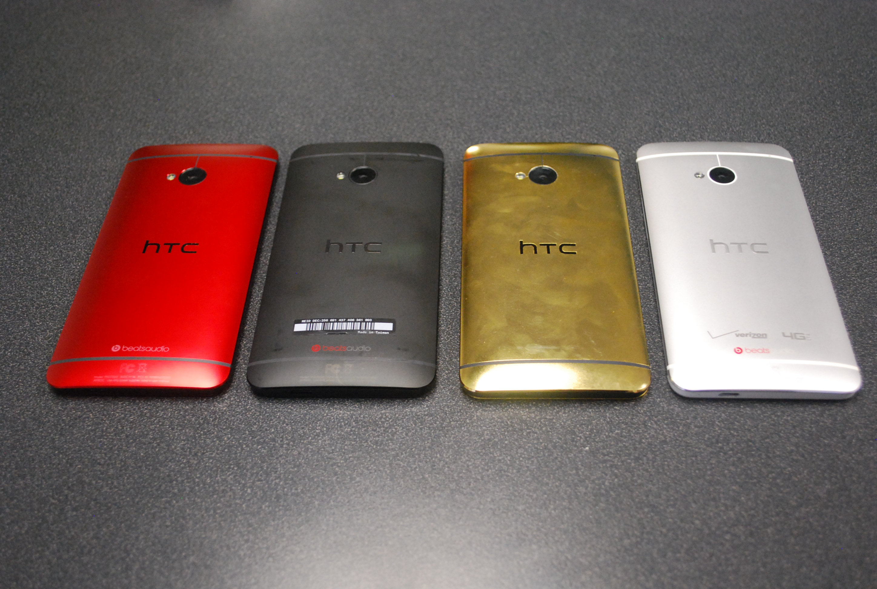 HTC One colors