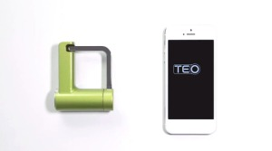 teo-padlock-and-iphone