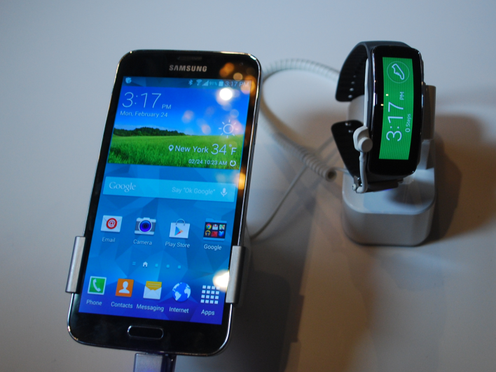 Galaxy S5 and Gear