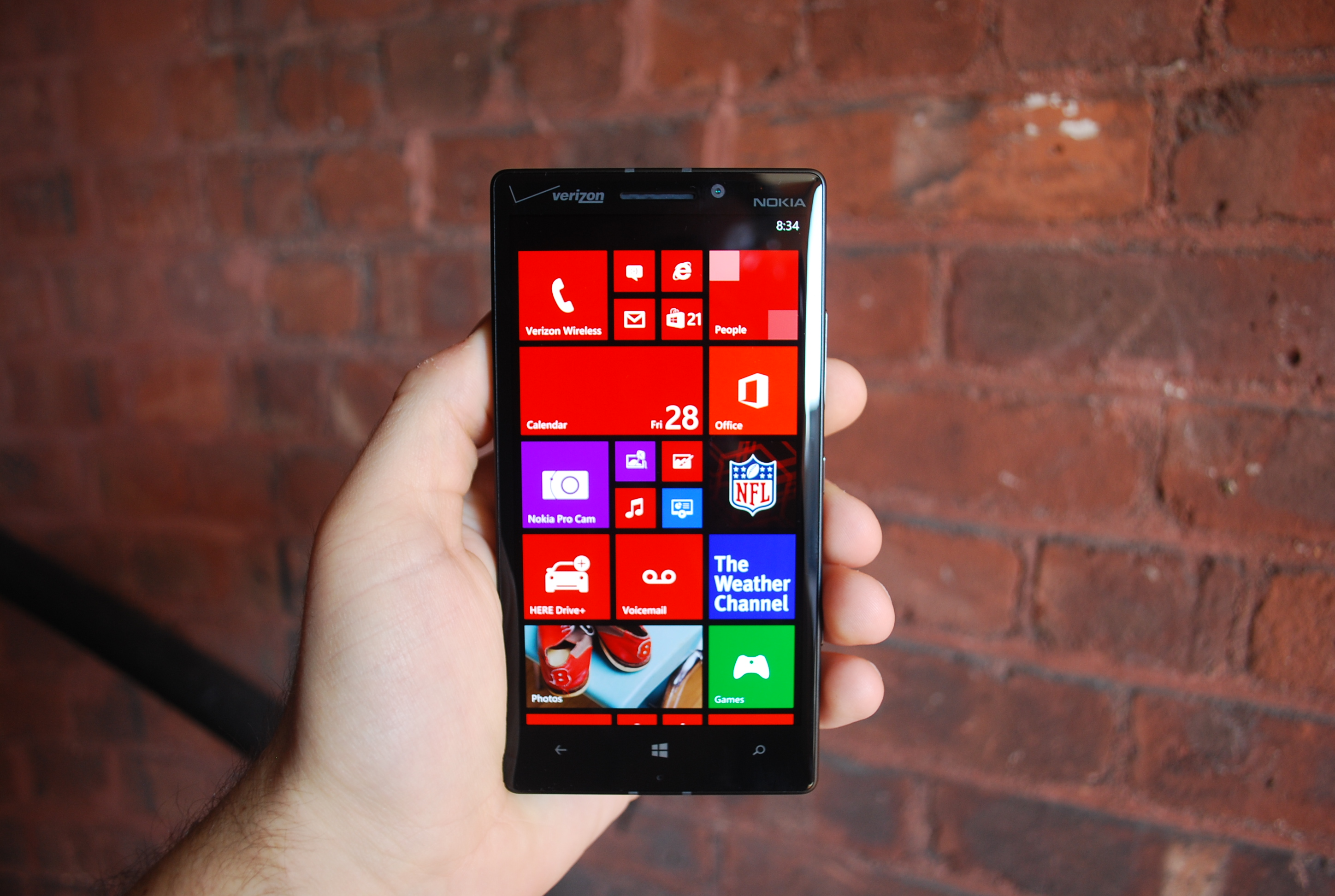 Lumia Icon home screen