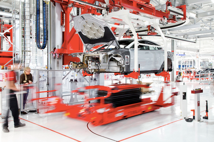 Tesla robots, courtesy of Tesla.