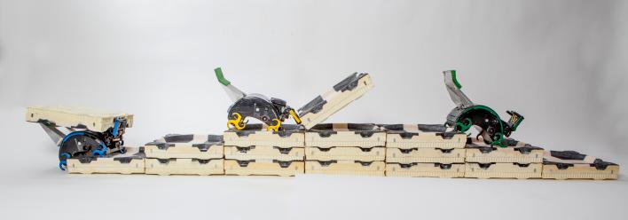 Robot building crew