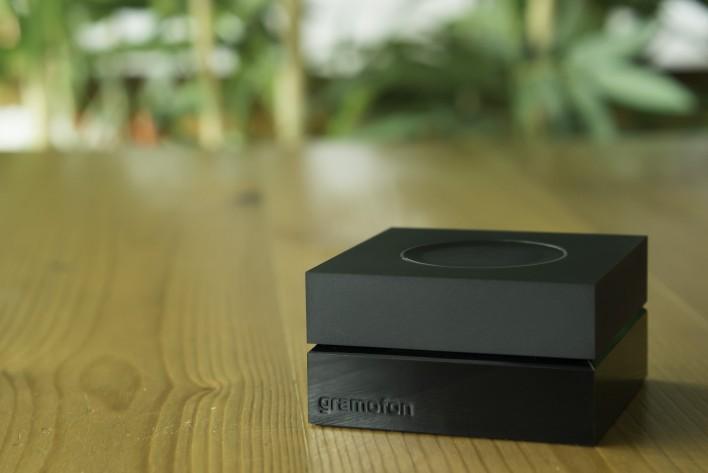 Black on Wood Gramofon Fon