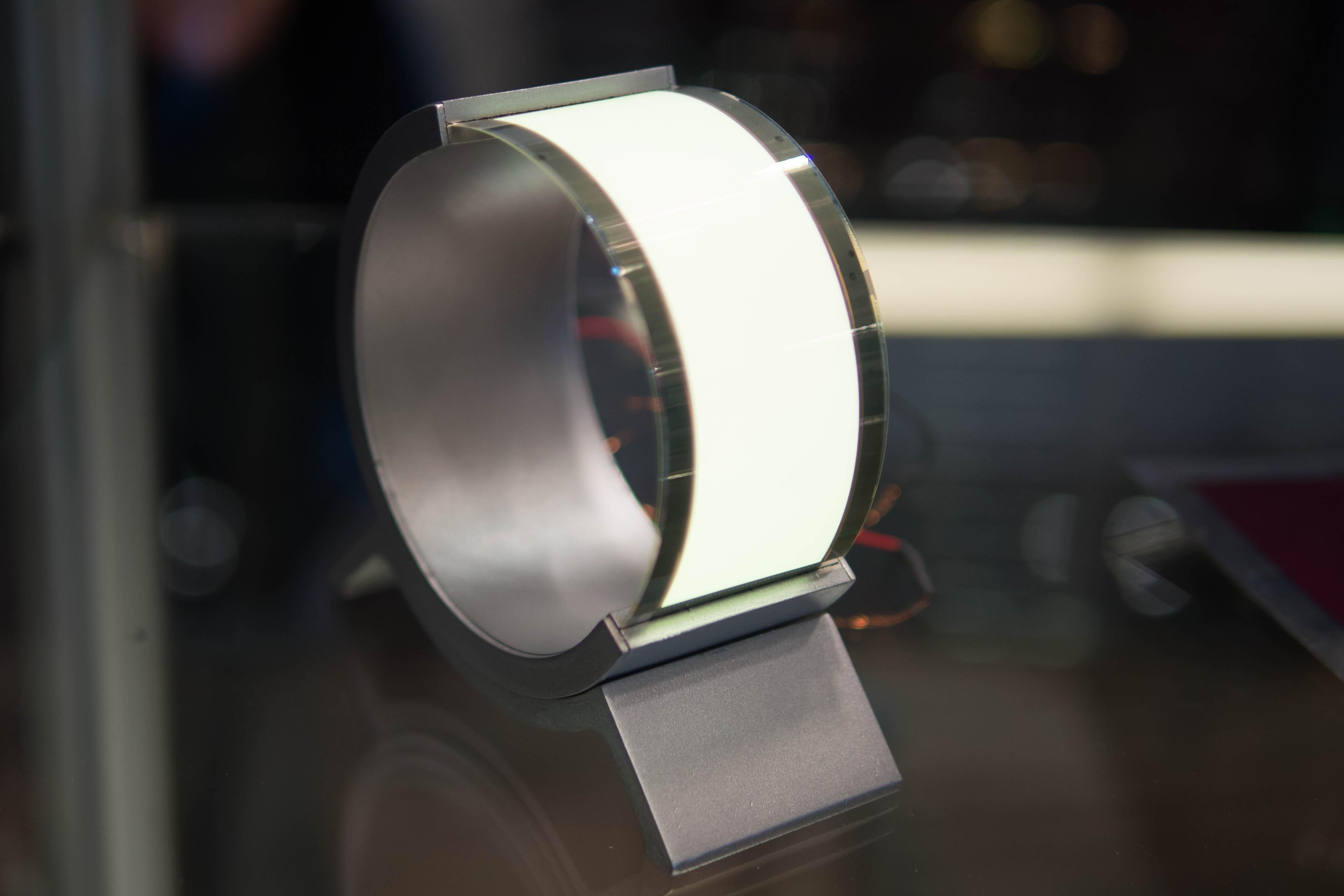 Holst Centre flexible OLED