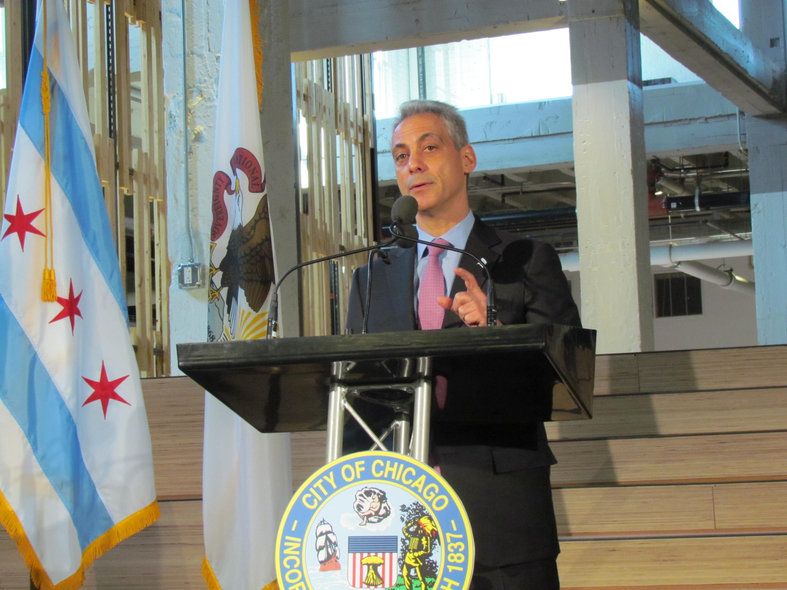 Chicago Mayor Rahm Emanuel speaking at Motorola's opening event