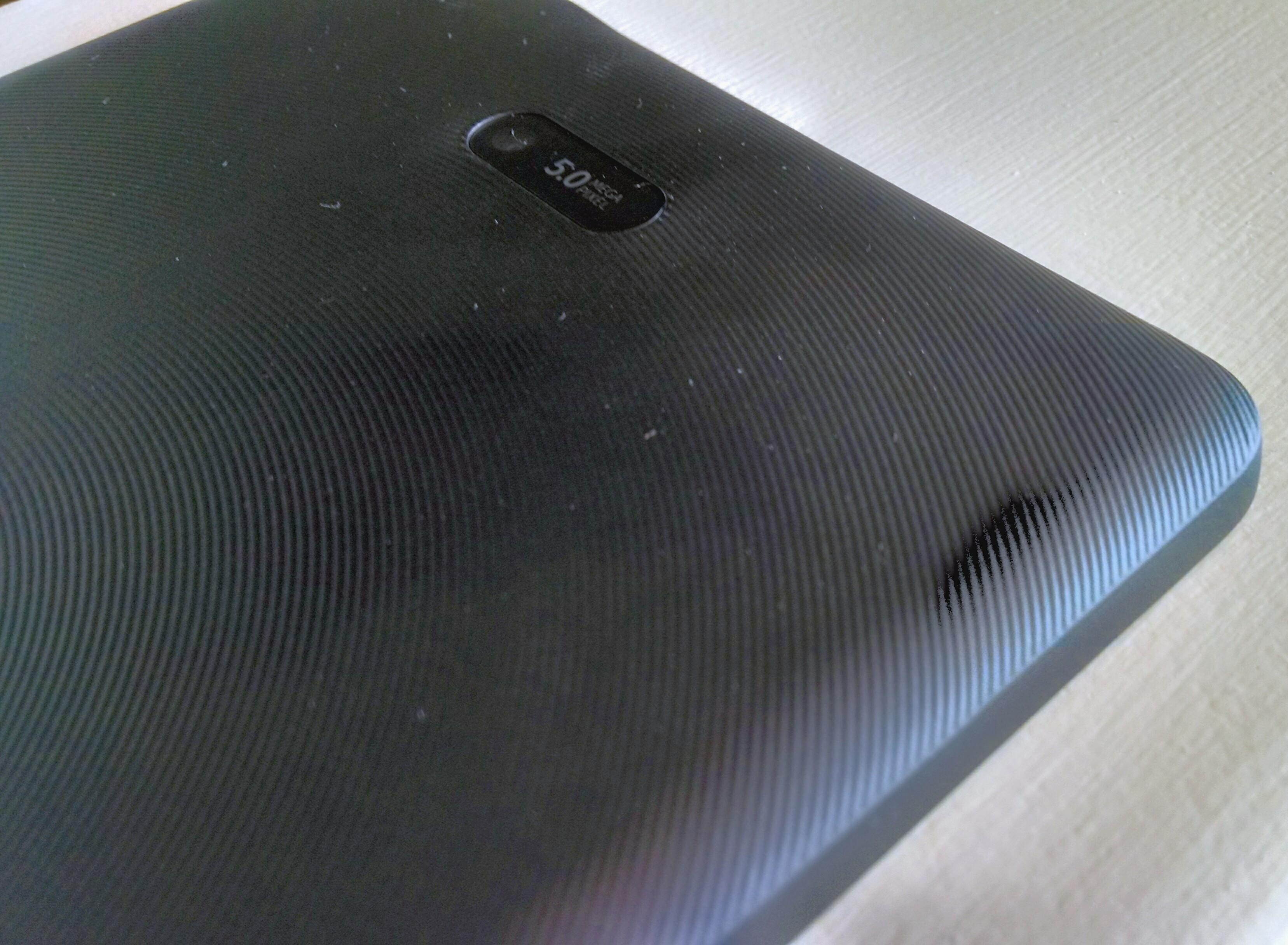 Dell Venue 8 Pro back