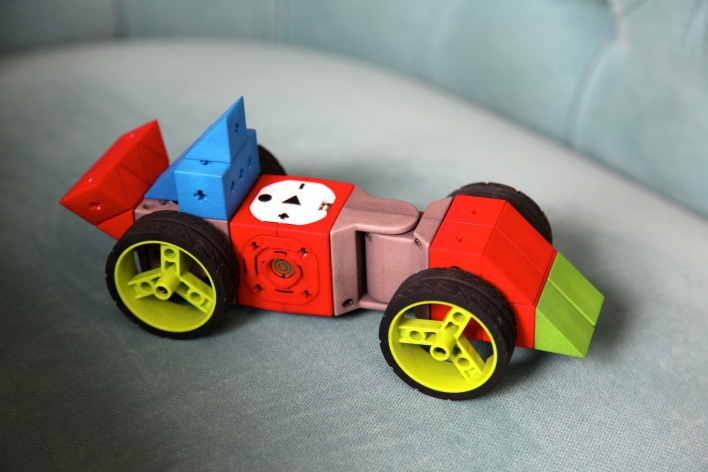A remote control car built out of TinkerBots modules. Photo by Signe Brewster.