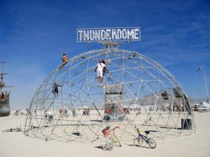 pa7s_burningman_thunderdome