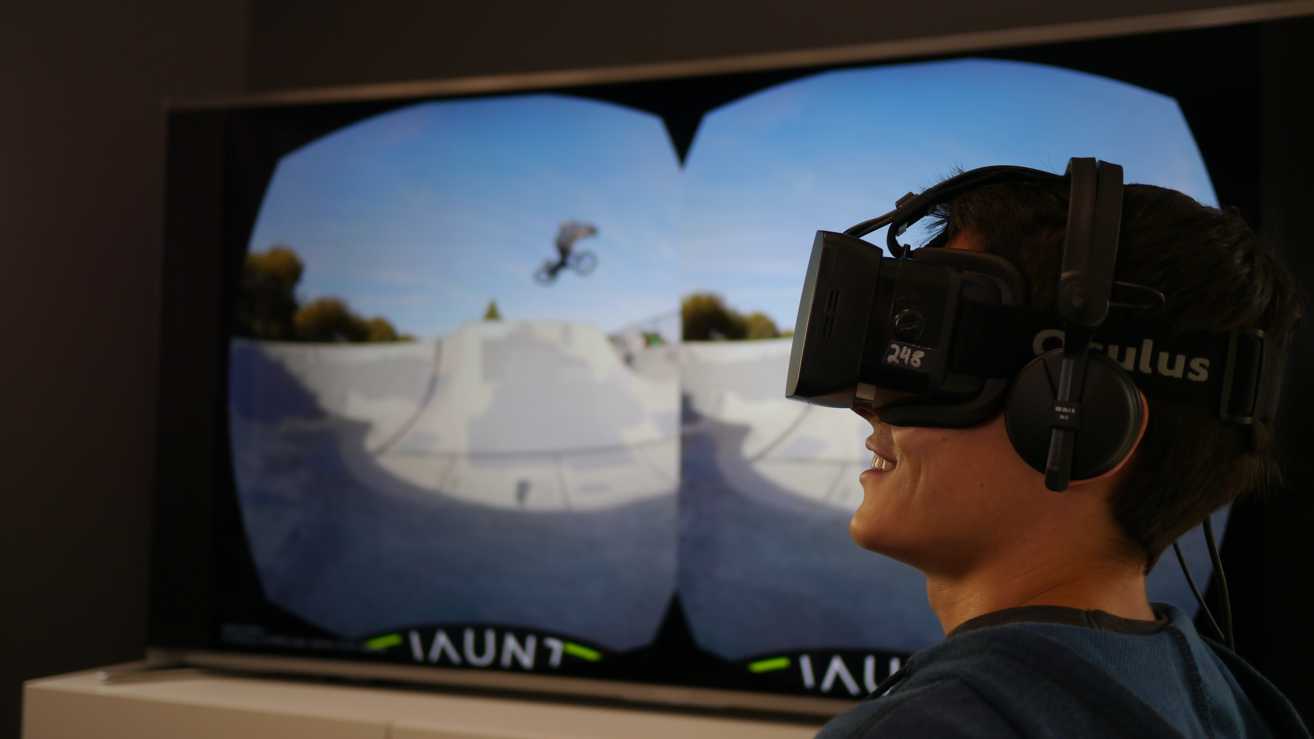 An view of the two images displayed when you look through an Oculus Rift headset paired with Jaunt. Photo courtesy of Jaunt.