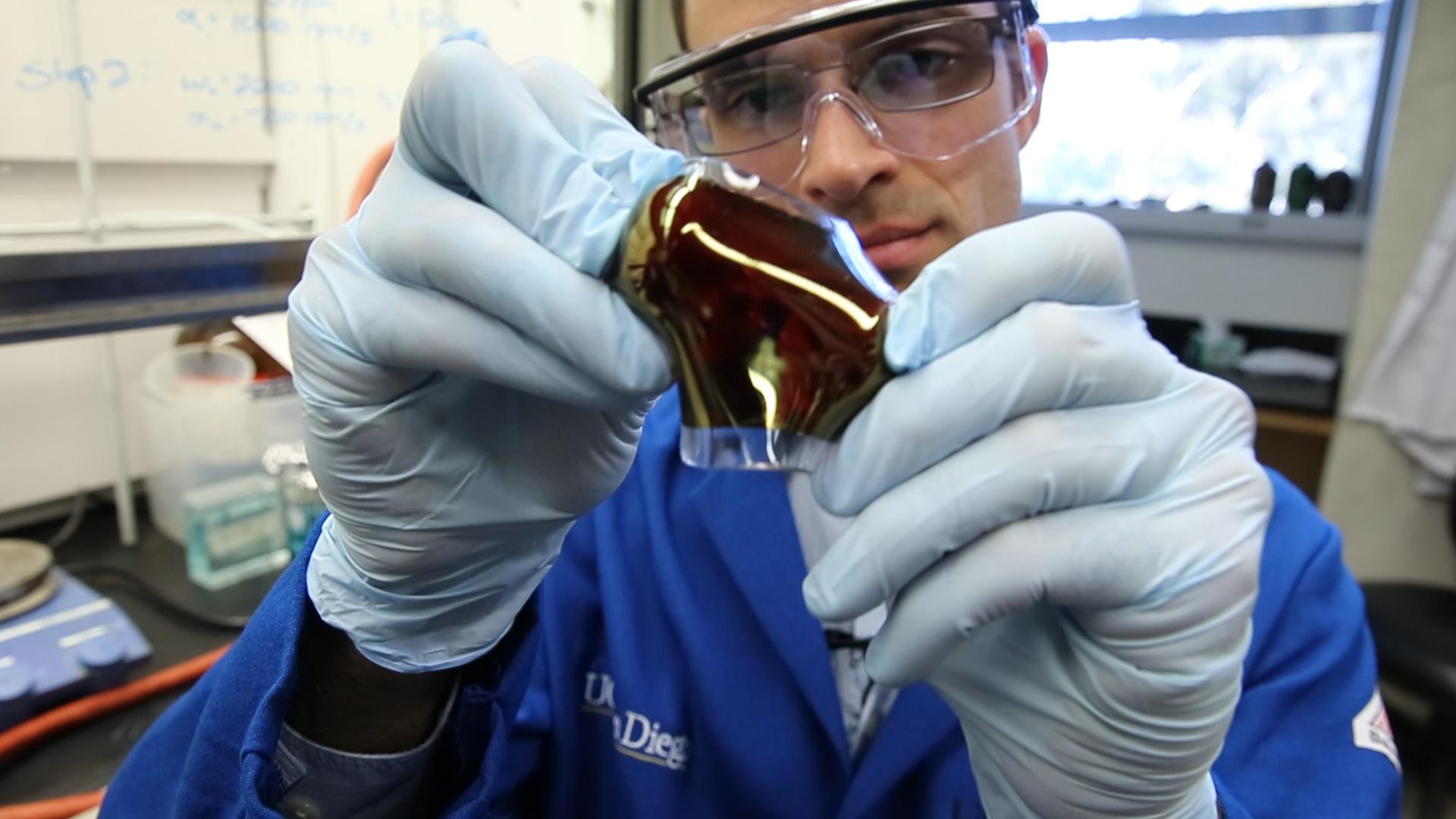 UC San Diego Jacobs School of Engineering professor Darren Lipomi