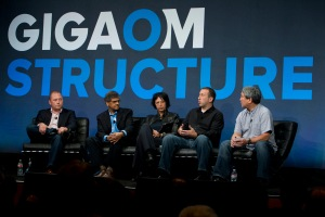 (L to R): Peter Bakas, CEO and Co-Founder, DataScale; Jai Menon — VP and Chief Research Officer, Dell Research, Dell; Tamara Budec, VP, Portfolio Operations, Digital Realty; Cory von Wallenstein, Chief Technologist, Dyn; Dave Ohara, Founder, GreenM3 and Analyst, Gigaom Research