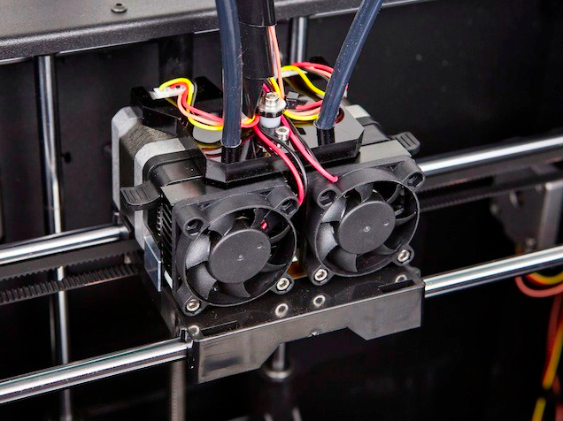 The dual extruders on the Monoprice machine, which allow it to print in two different colors. Photo courtesy of Monoprice.