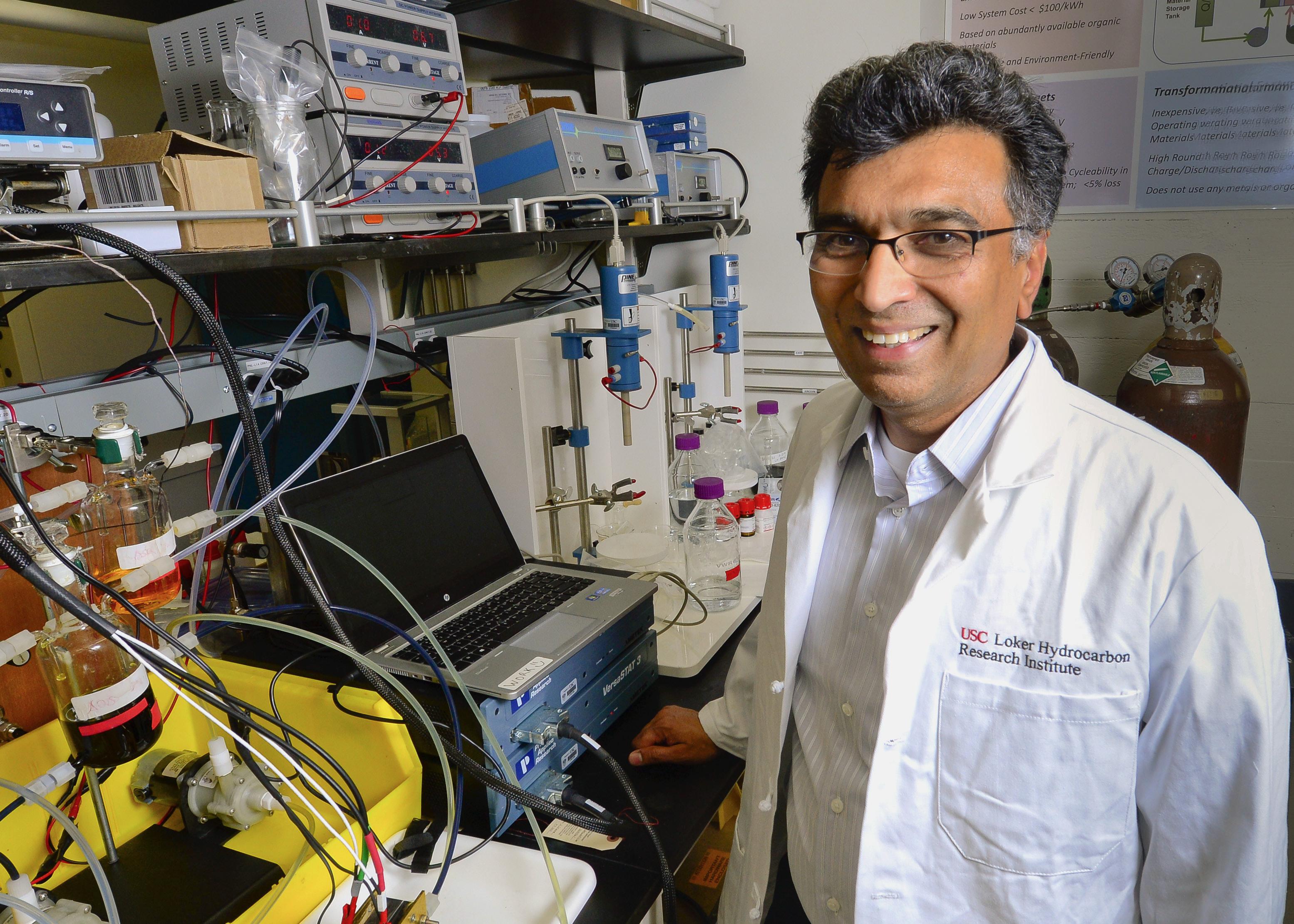 USC professor Sri Narayan working on an organic flow battery. Image courtesy of USC Photo / Gus Ruelas.