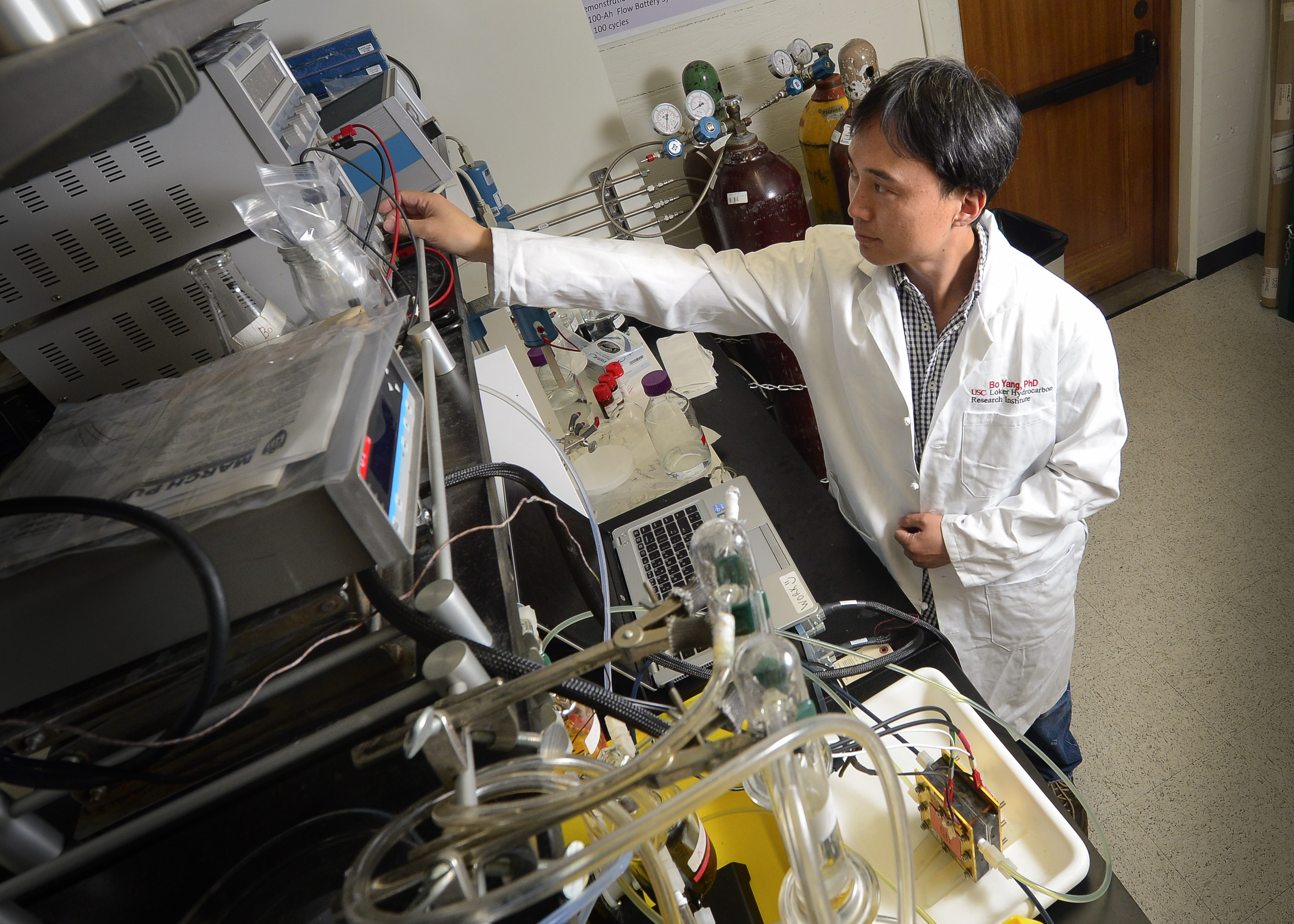 USC Post Doctorate Bo Yang working on the organic flow battery. Image courtesy of USC Photo / Gus Ruelas.
