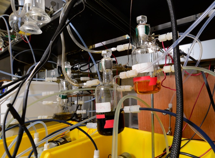 USC research on an organic flow battery.
