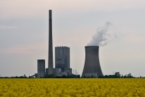 A coal plant, image courtesy of Martin, Flickr Creative Commons.