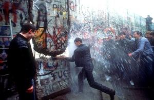berlin_wall falling