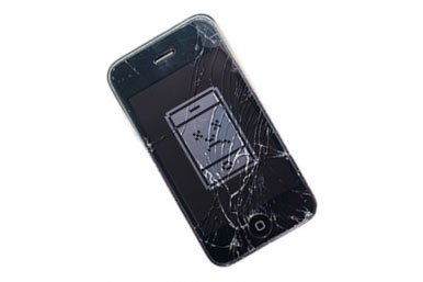 cracked_broken_iphone