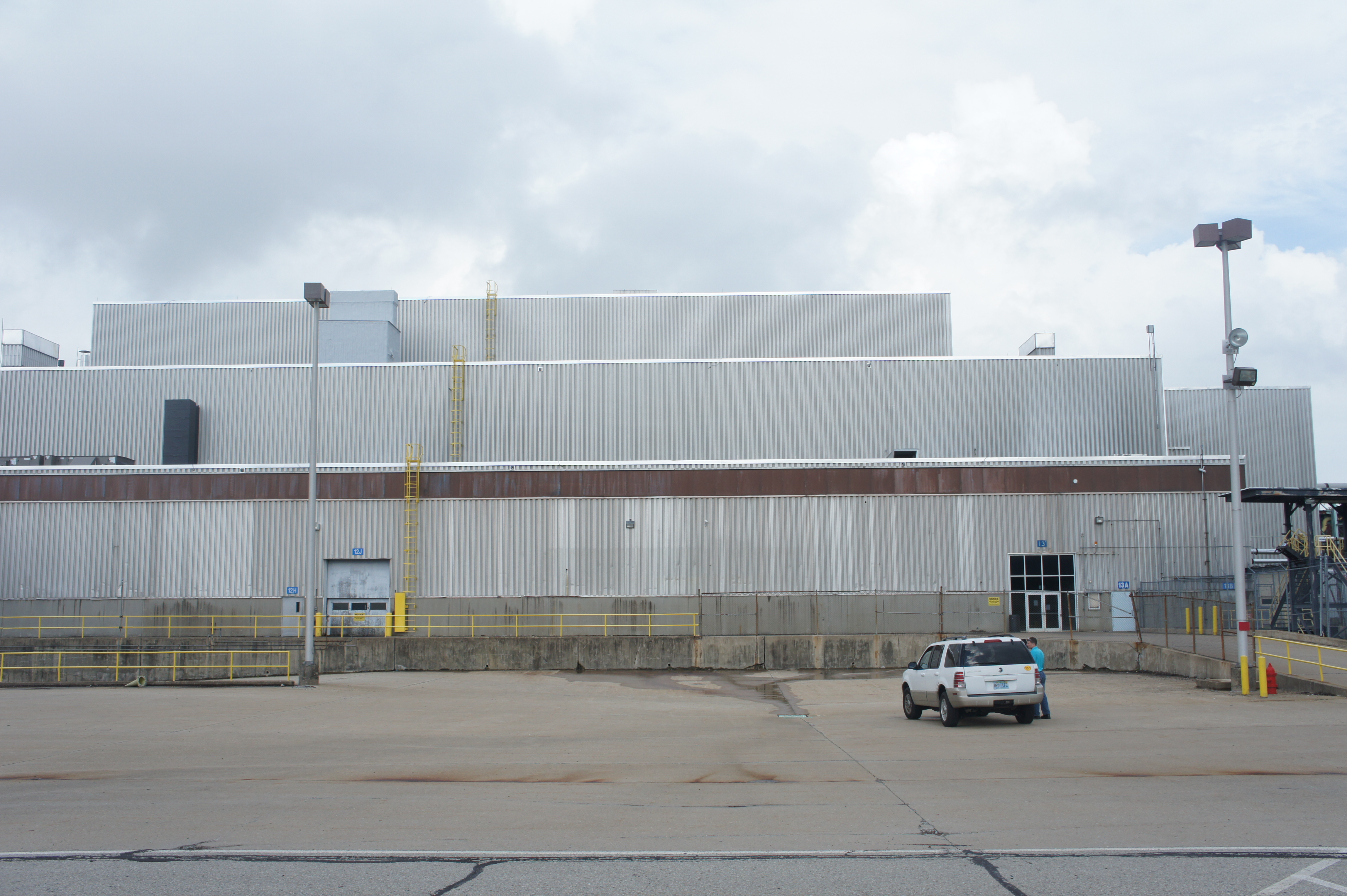 The 2.3 million sq. foot factory in Westmoreland County, PA. Image courtesy of Katie Fehrenbacher, Gigaom.