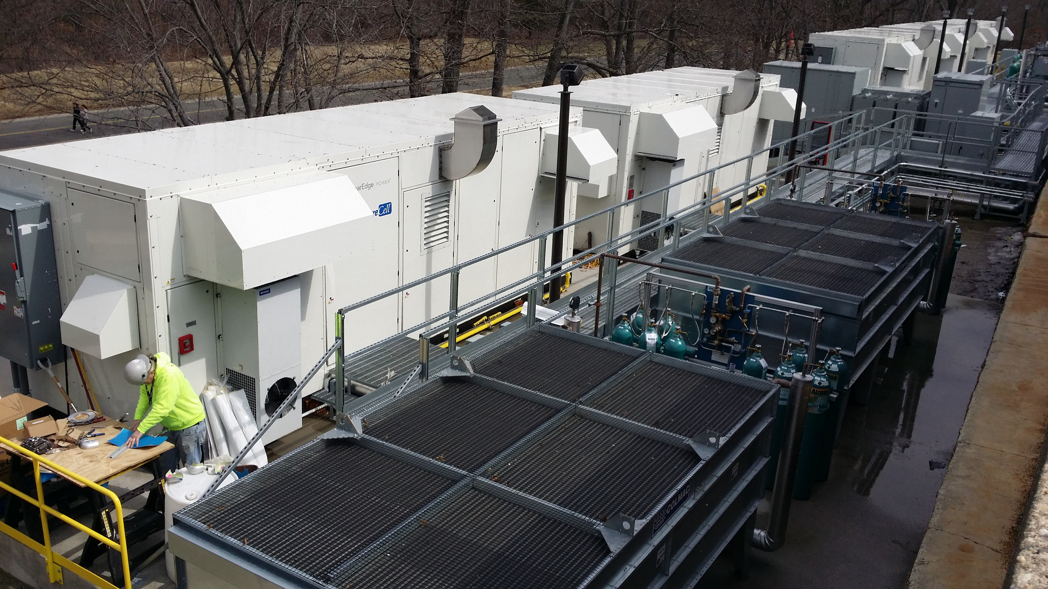 Verizon's fuel cells in Basking Ridge, New Jersey. Image courtesy of Verizon.