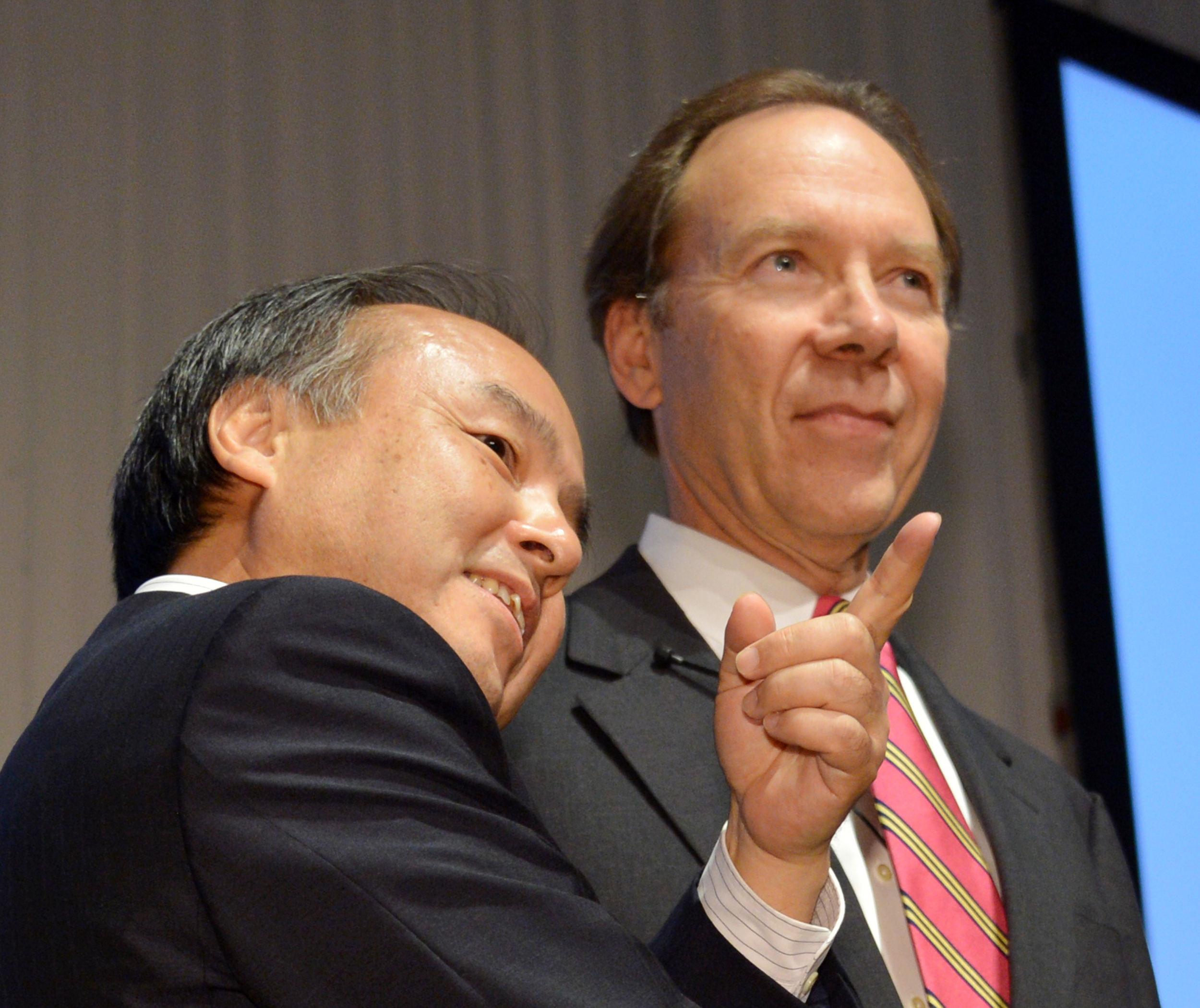 Masayoshi Son with Dan Hesse. Photo by Yoshikazu Tsuno/AFP/Getty Images