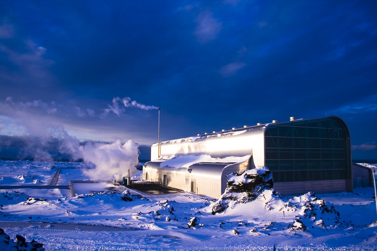 A geothermal power plant in Iceland, courtesy of  Einar Ragnarsson, Flickr Creative Commons.