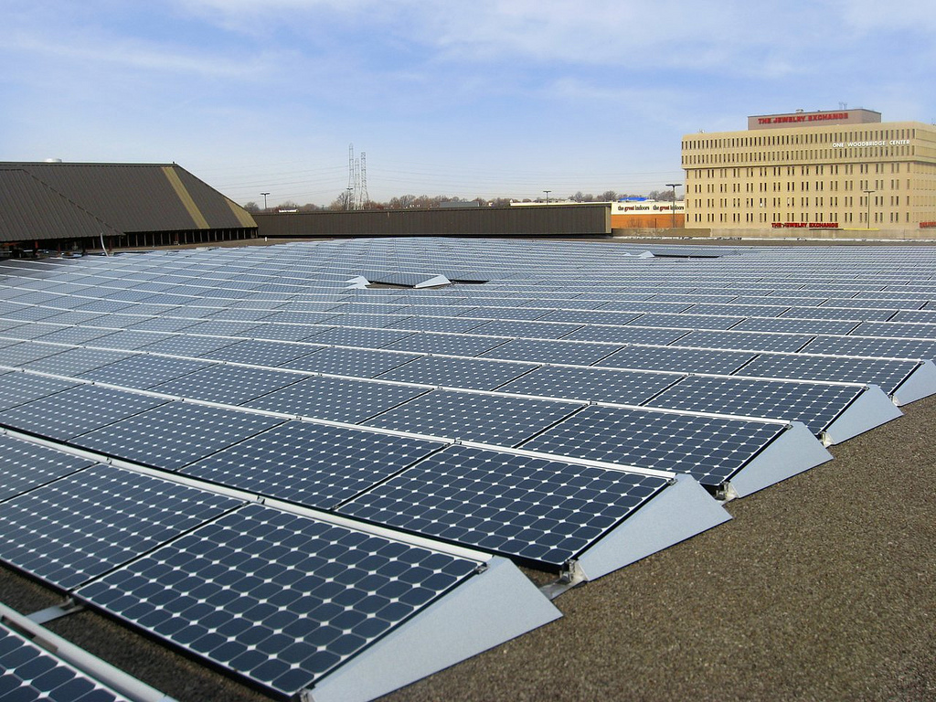 A solar panel project powering Verizon's network operations. Image courtesy of Verizon.