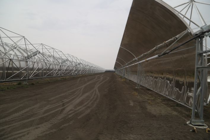 There's 22 rows of mirrors at the Stillwater solar thermal plant. Image courtesy of Katie Fehrenbacher, Gigaom.