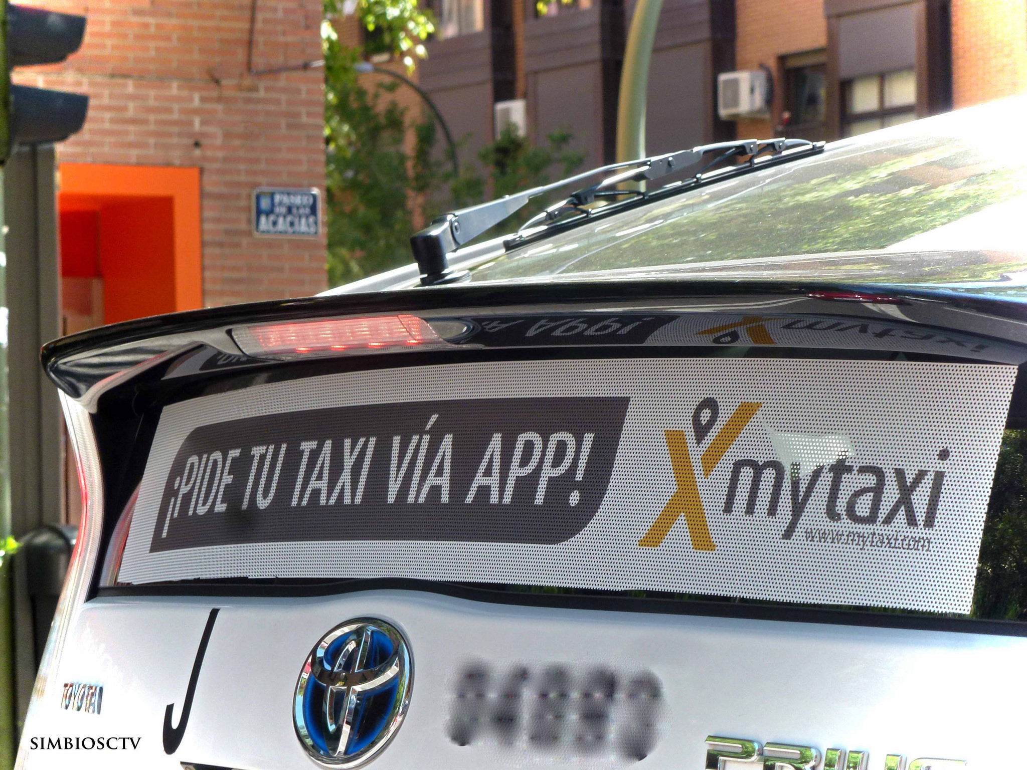 The myTaxi app spotted in the wild. Image courtesy of Cesar, Flickr Creative Commons.