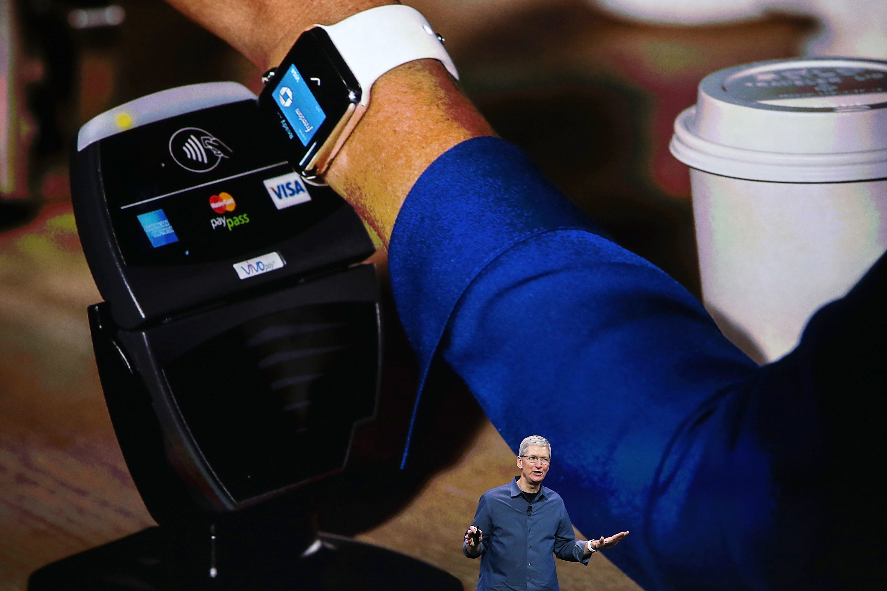 Apple CEO Tim Cook introduces Apple Pay with the Apple Watch.  (Photo by Justin Sullivan/Getty Images)