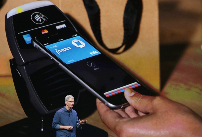 Apple CEO Tim Cook introduces Apple Pay.  (Photo by Justin Sullivan/Getty Images)