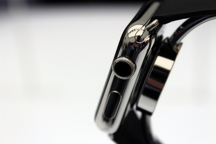 A close-up of the Dial Crown on the Apple Watch. Photo by Tom Krazit/Gigaom