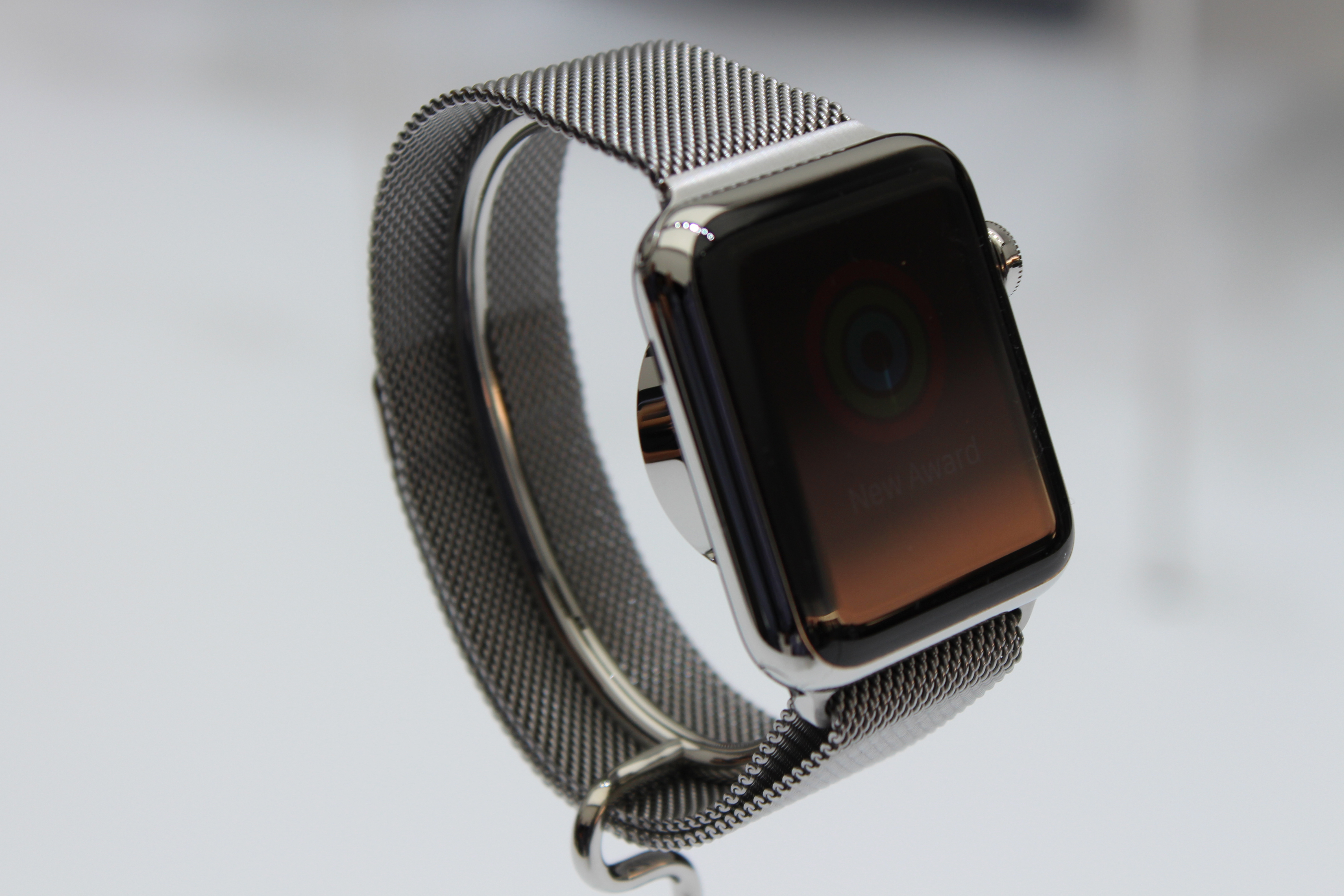 Report: Apple Watch to start at $500 in stainless steel, thousands for gold model