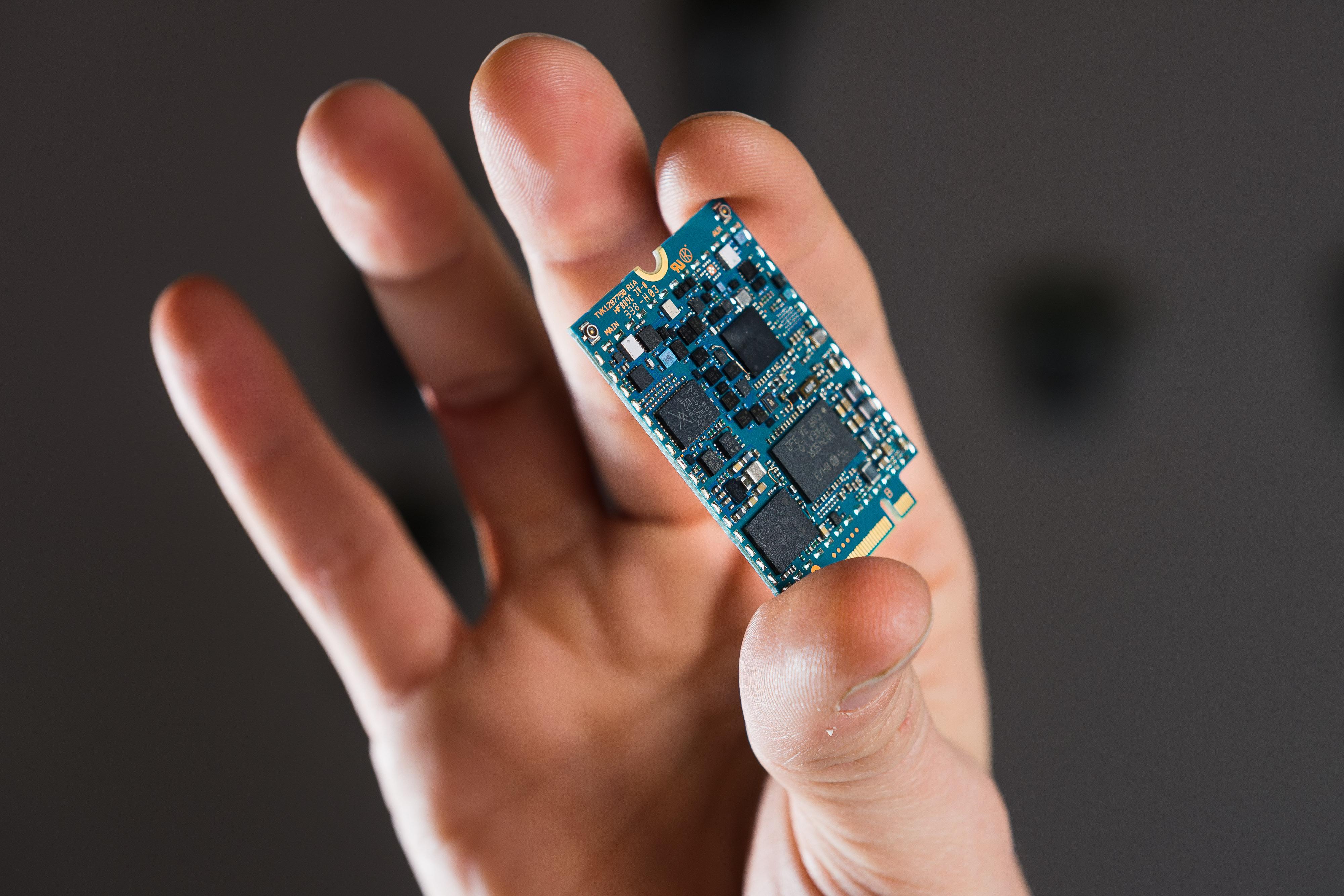 Ericsson M7450 thin modem
