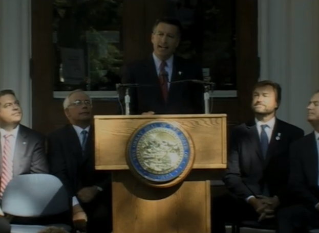Nevada Governor Brian Sandoval announces the Tesla battery factory deal.