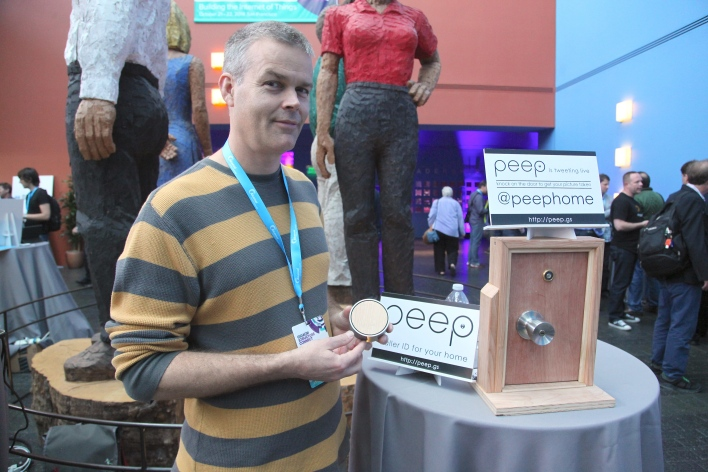 The Peep connected camera may use Bluetooth to send images more quickly than Wi-Fi.