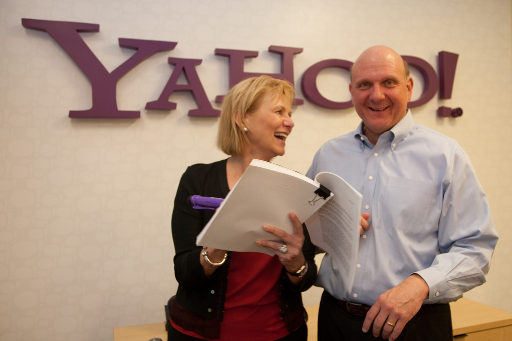 Then-Yahoo CEO Carol Bartz and Microsoft CEO Steve Ballmer posing after the search deal. Source: Yahoo