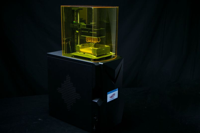 full spectrum laser debuts 2 3d printers that fit on your desk tech news and analysis