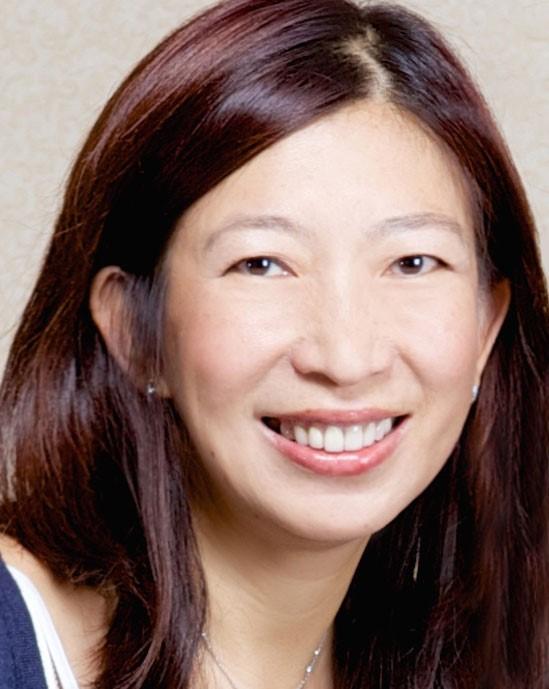 Dora Hsu headshot